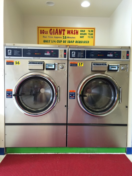 80 lb washing machines at Laundromania Northwest Plaza Davenport, Iowa