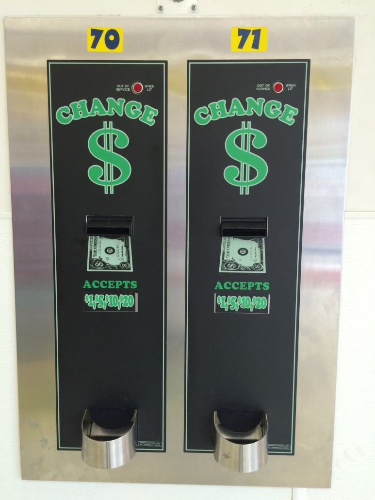 Change machines at Laundromania Northwest Plaza Davenport, Iowa