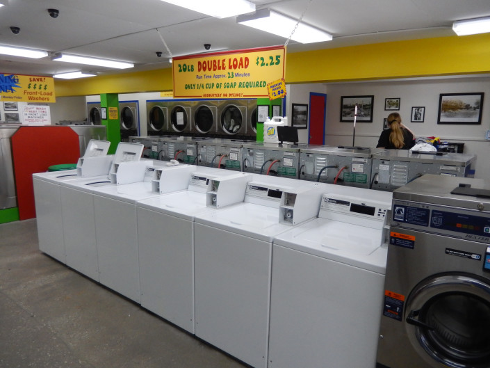 20lbs top load washing machines at Bloomington Street Laundromania downtown Iowa City