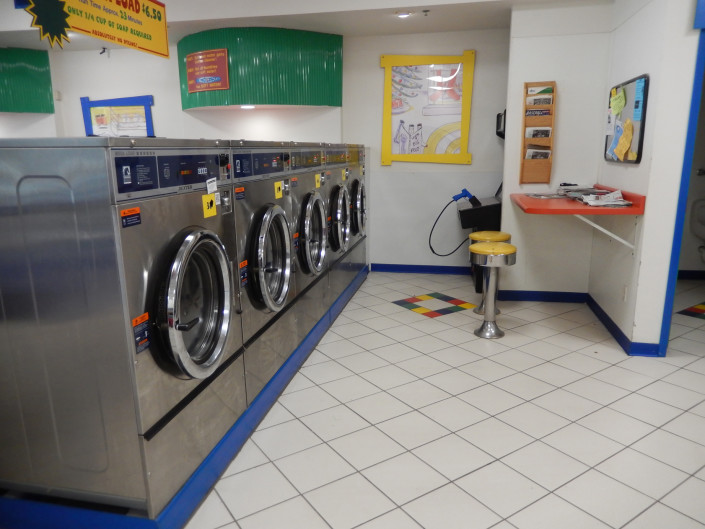 Large capacity front load washing machines