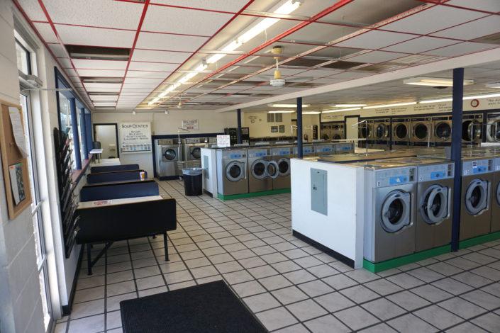 Laundromania Coralville 24 hour Laundromat